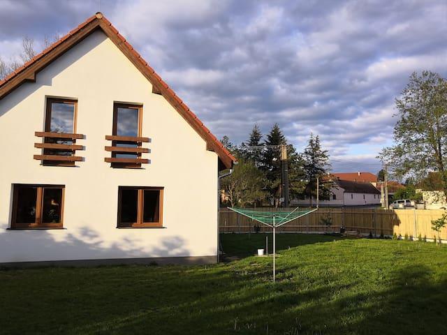 Ubytování v přírodě nedaleko Plzně.