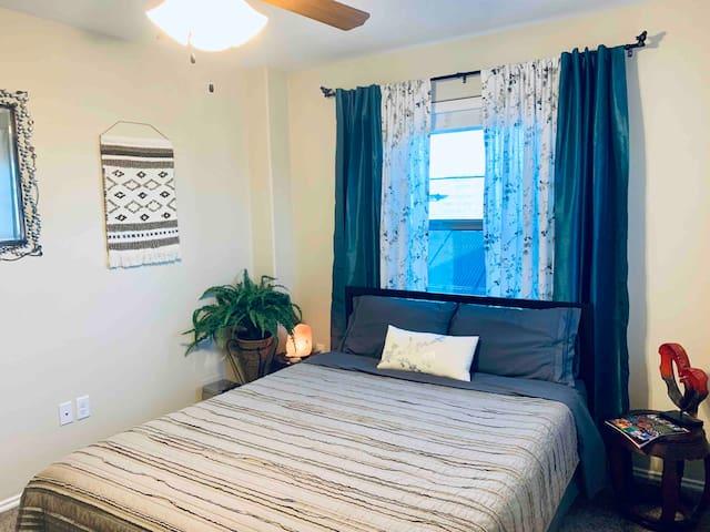 CLEAN, COZY, COMFORTABLE Bedroom #2