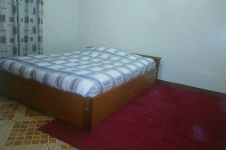 Private room in Ruaka, Old LimuruRd - Ruaka Town - 公寓