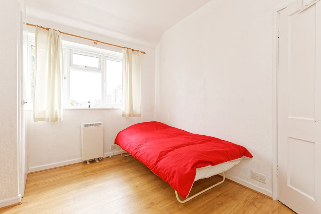 Day bed trundle in second bedroom