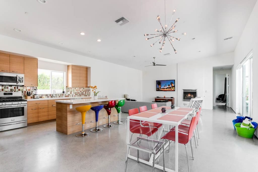 This space is perfect for entertaining, and the open floor eases conversation between groups.
