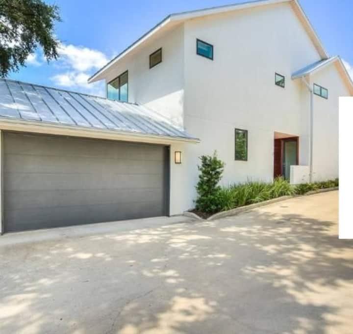 Villa 6 bedrooms ( Badamdar)