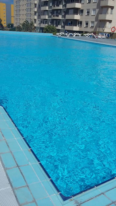 Las palmas de gran canaria las canteras piscina flats for Piscina las palmas