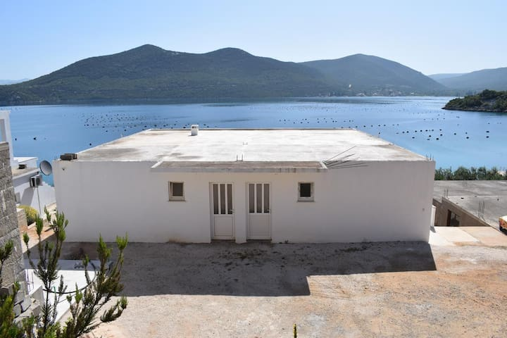 Studio flat near beach Kabli, Pelješac (AS-10225-a)