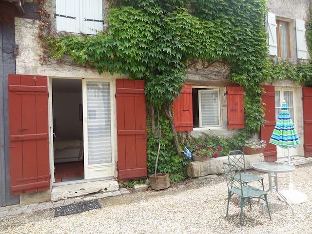 Studio Le Pressoir - Chaudenay - House