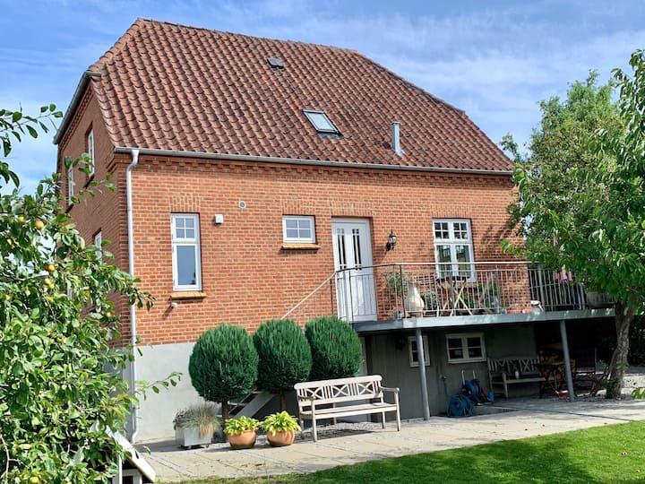 Classic beautiful villa 5 km from Aarhus City