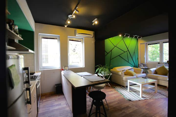 Green Apartment / Your HOME in a perfect Location