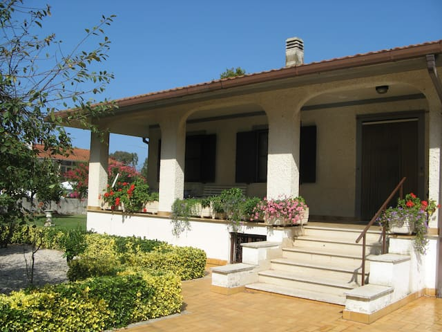 Wonderful Italian Villa - Latina - Talo