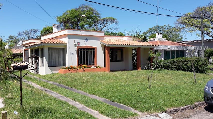 Preciosa casa en Las Toscas - Las Toscas - Casa