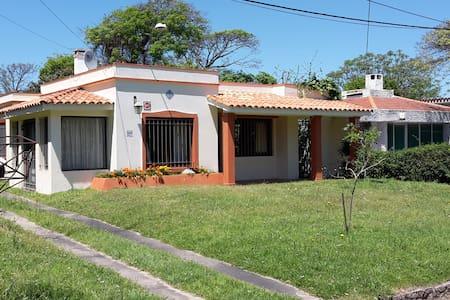 Preciosa casa en Las Toscas - Las Toscas