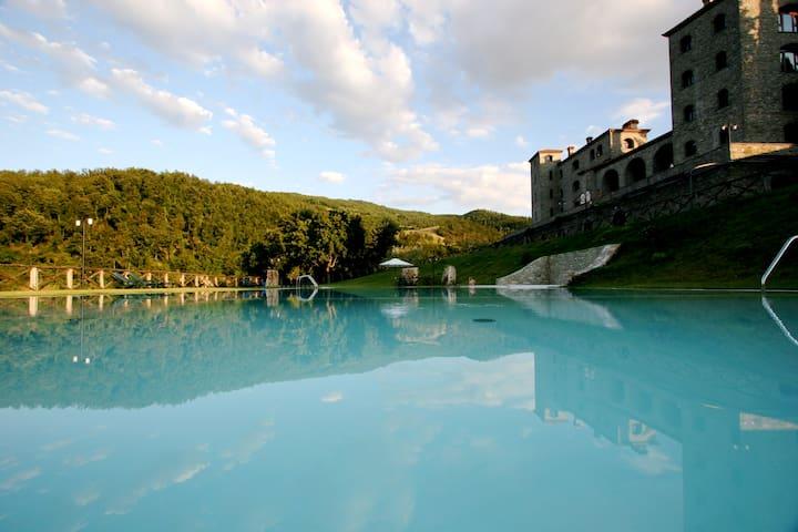 Stunning Converted Monastery - Valfabbrica - Castle