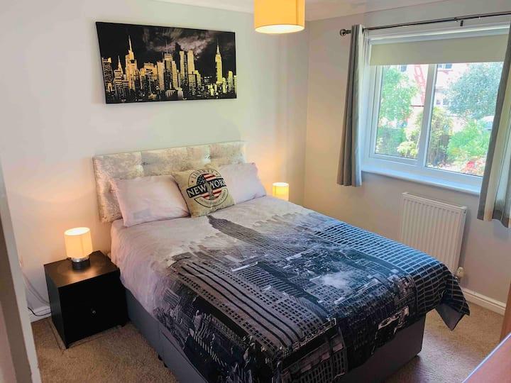 Comfortable en-suite double room in Orrell, Wigan