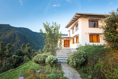 Tridiva - Beautiful homestay in the Himalayas - Gudam State - Villa