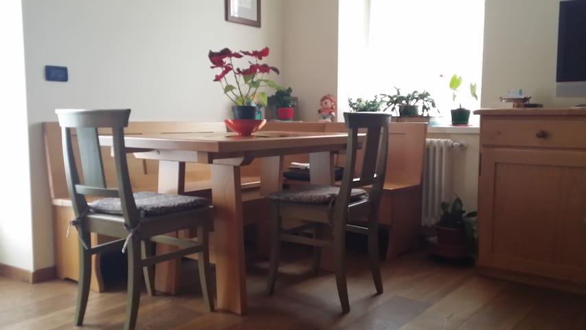 Zona soggiorno-cucina