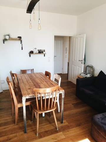 Helle 2 Zimmer Wohnung im Herzen der Neustadt