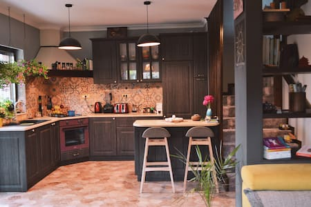 Nice and cosy with a beautiful garden Entire House