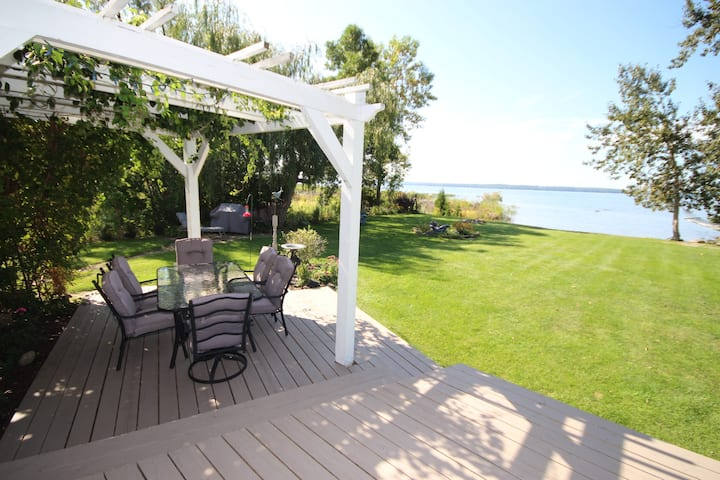 Charming Lake House, Amazing View