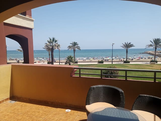 1ra. LINEA DE PLAYA. FRONT THE BEACH VALENCIA WIFI