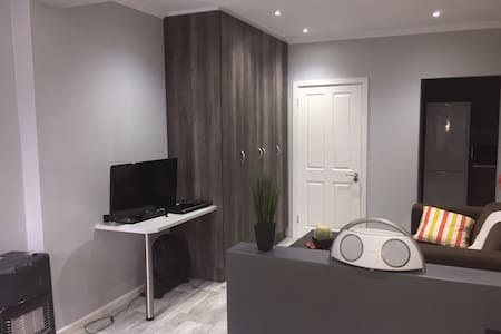 RELaxed city living - Apartment - Port Elizabeth - Wohnung