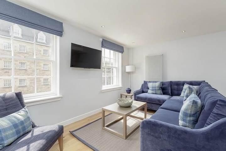 Royal Mile Superior 3 Bed Apartment