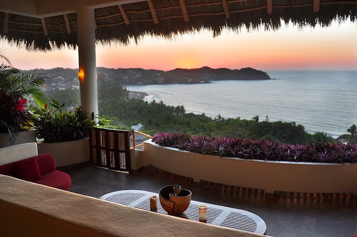 Villa BuenaVista +Private Casita Sleeps 10, Pool