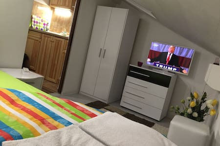 Cozy Apartment in Top Center. Kapana - Plovdiv - Huoneisto