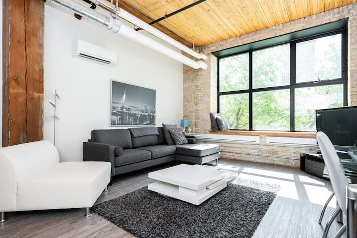2 Bdr | Conversion Loft | Exchange District