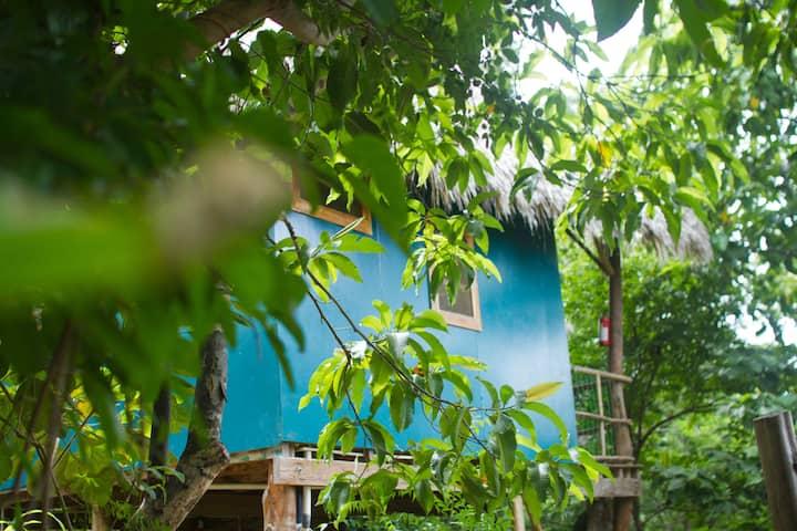 La Cabanita - private cabin at Hostel Clandestino