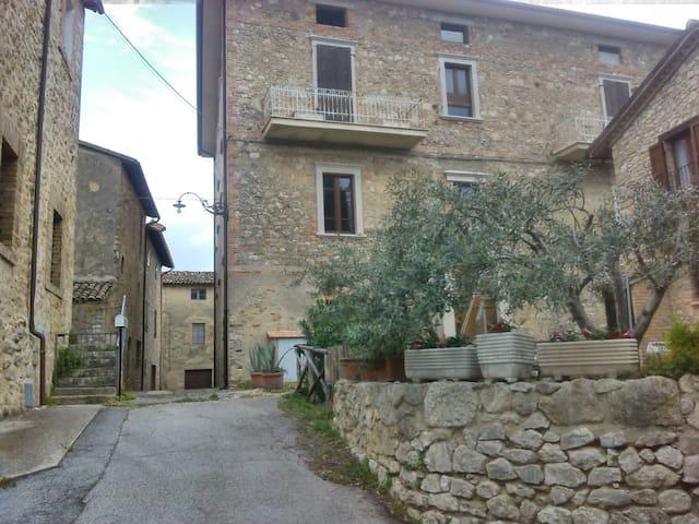 Borgo medioevale a 5 km da Todi - Monticello - Apartment