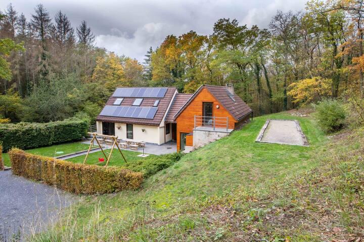 Mooie chalet met ontspanningsruimte in de Ardennen