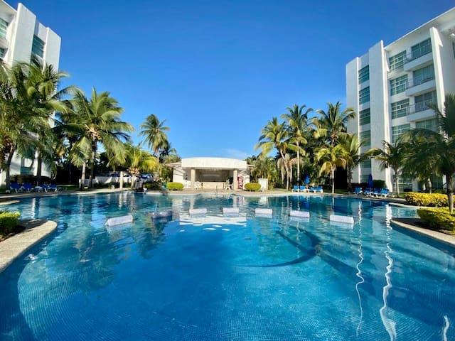 Exclusivo Condominio en Diamante, Mayan Lakes.