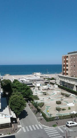 Ampio appartamento centrale a Misano mare