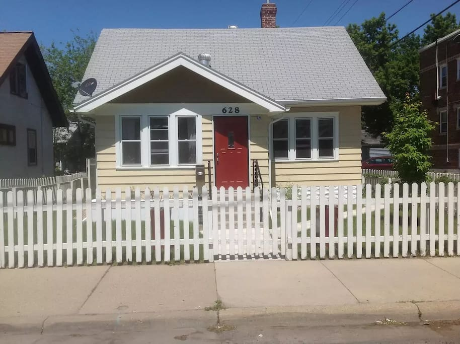 4 Bedroom 2 Bath Home 3 Mi From Superbowl Stadium Houses For Rent In Minneapolis Minnesota