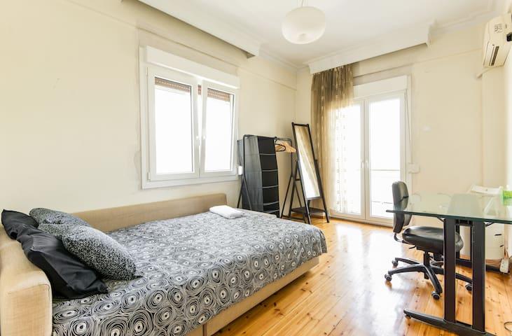 Amazing corner room at Aristotelous - Selanik - Daire