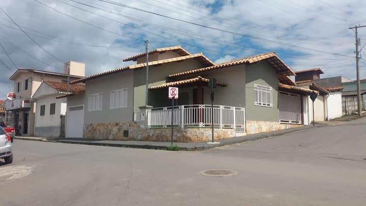 Casa em Capitólio Saída para Escarpas do Lago