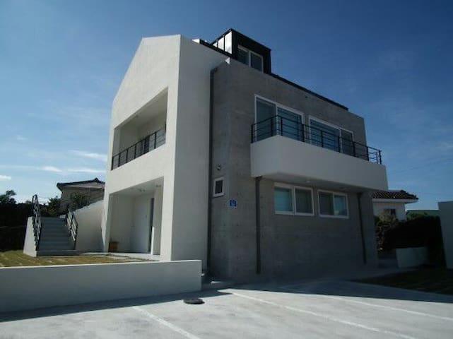 Moonstay Guesthouse (Jeju Woljeongri Beach) - 제주시, 제주특별자치도, 대한민국