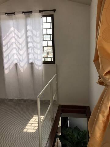 tercera habitación con balcón