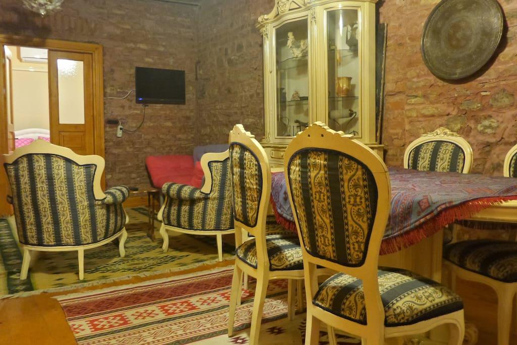 Oturma Odası-Salon-Yemek masası