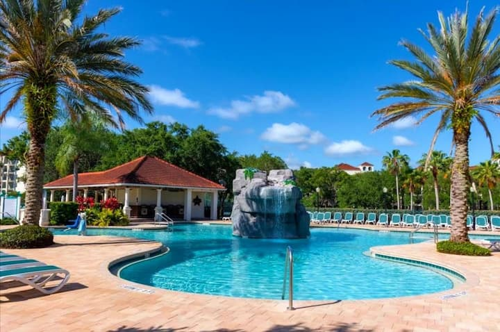 One-Bedroom Suite At Star Island Resort!