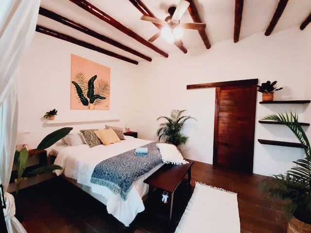 Chic Beach House Suite At Tropical Surf Lodge