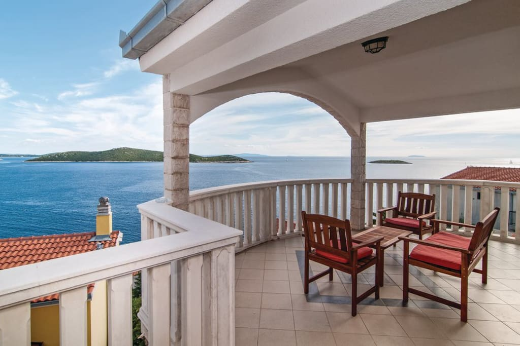 Villa Stephany - lounge terasse with a dreamy sea view
