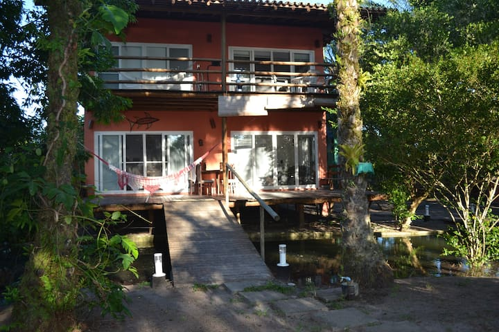 Ilha com acesso por terra e mar (frente ao mar) - Maraú - Casa