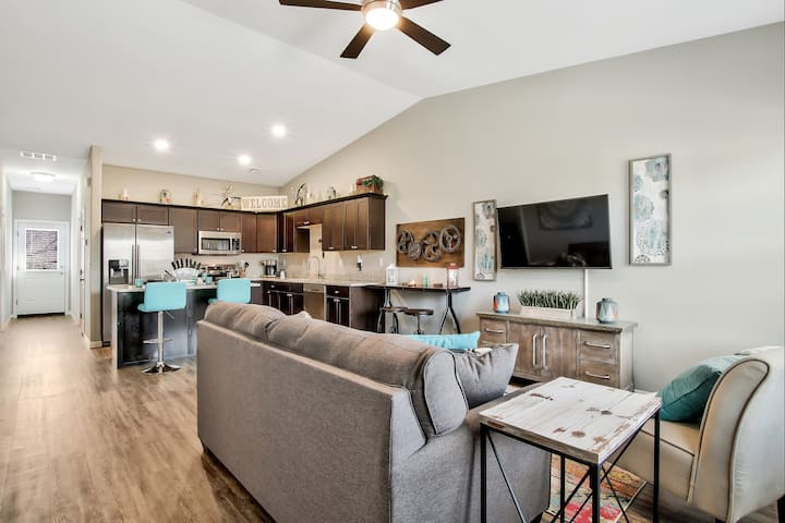 New Rustic Townhome on the Edge of College Hill