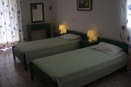 Ενοικιαζόμενα Διαμερίσματα Ελένη - Loutra Edipsou - Apartment