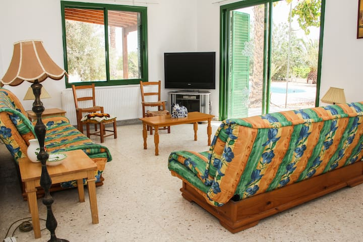 Fam offer: 3 br in Villa with Pool in countryside - Mandria - Villa