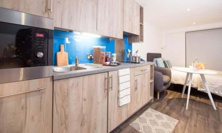Student Only Property: En-suite Standard Studio-1 & 2 - LOS 12 months 10% off