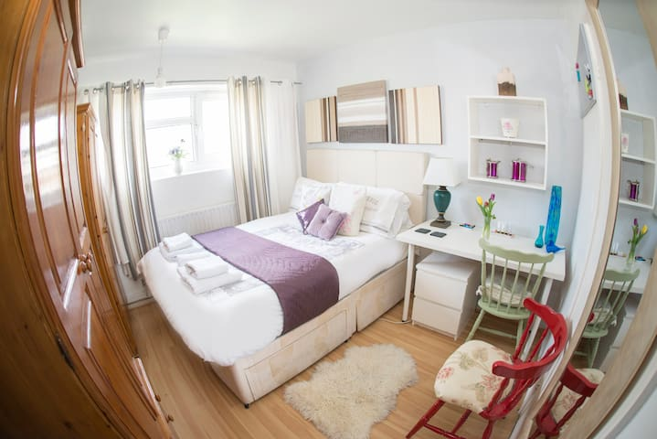 Private double room in Stockwell