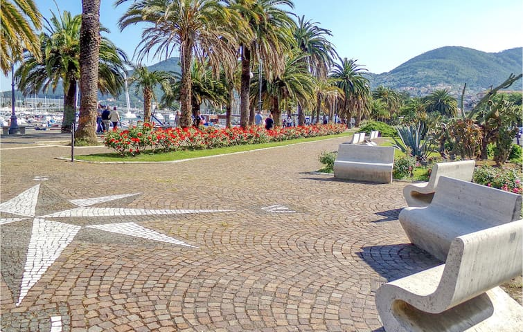 Holiday apartment with 2 bedrooms on 70m² in La Spezia -SP-