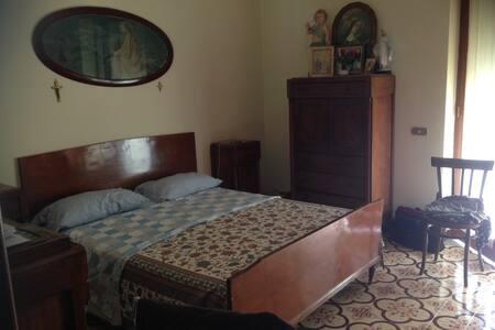 Large family apartment near Naples - Pollena Trocchia
