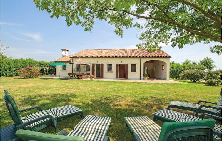 Holiday cottage with 3 bedrooms on 110m² in Ca'Lino di Chioggia VE